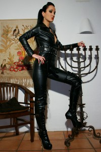 Mistress Fetish Liza in Leather, ready to use Her Strap On
